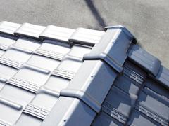 屋根材の葺き替えと塗装